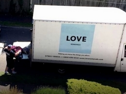 https://loveremovals.com/ website