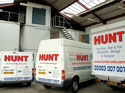 https://hunttrucks.com/ website