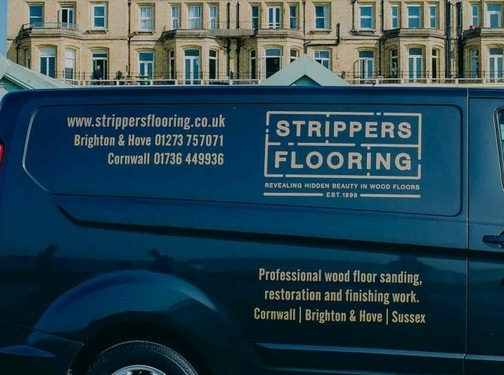 https://www.strippersflooring.co.uk/ website